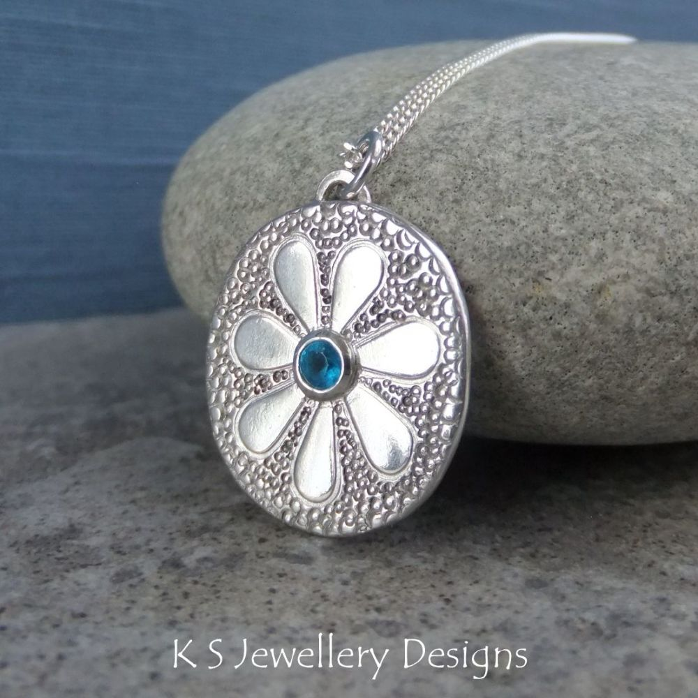 Apatite Doodle Flower Textured Oval Sterling Silver Pendant - DAISY v4