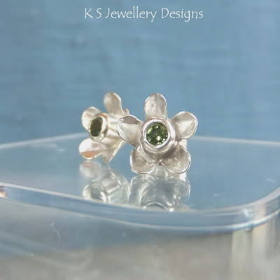 Peridot Sterling Silver Flower Stud Earrings - Rustic Flowers