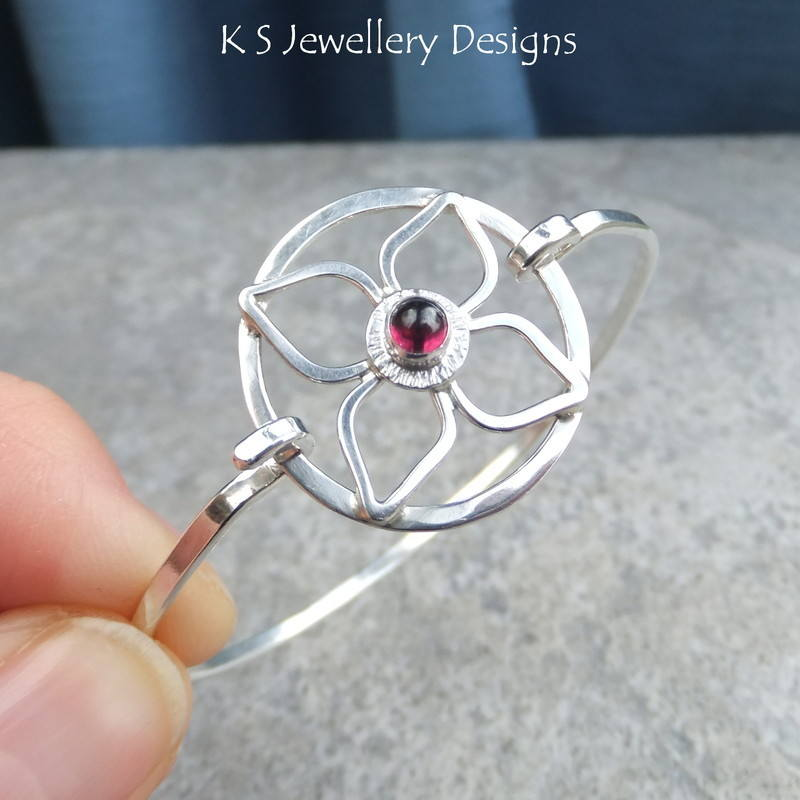 Rhodolite garnet flower bangle 4