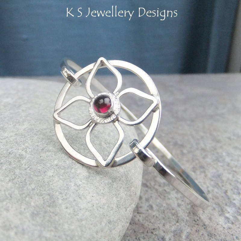 Rhodolite garnet flower bangle 3