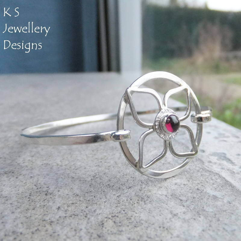Rhodolite garnet flower bangle 1