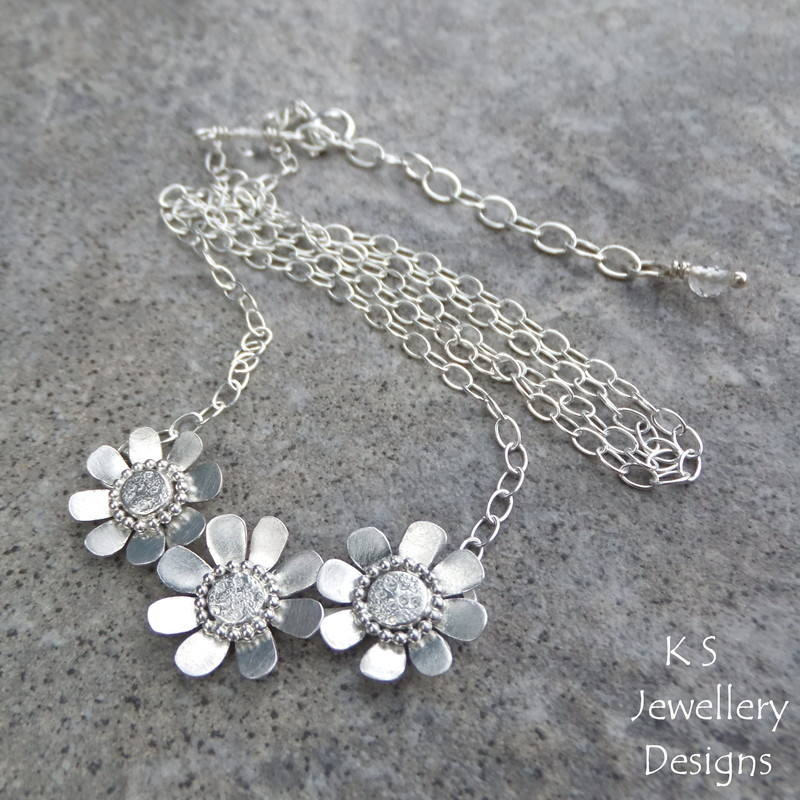 Daisy trio necklace 4