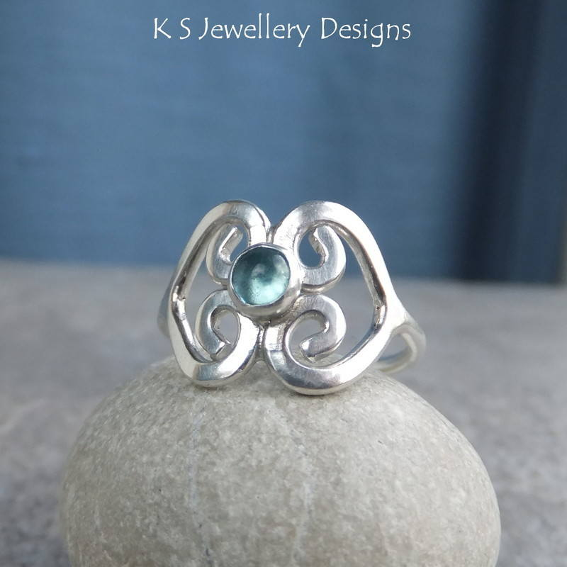 Apatite double heart ring 1