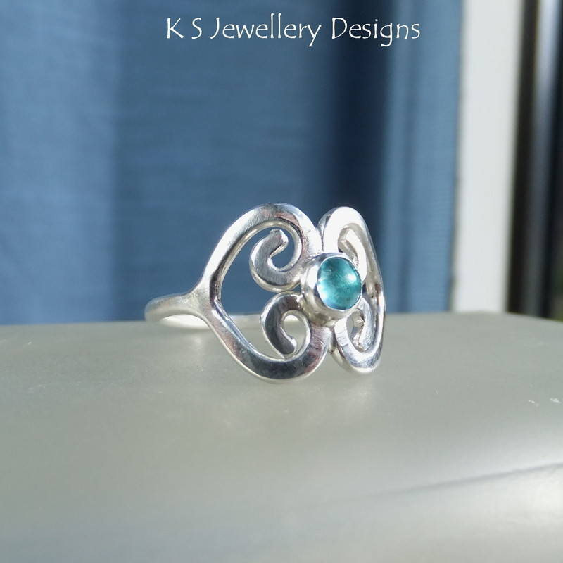 Apatite double heart ring 4