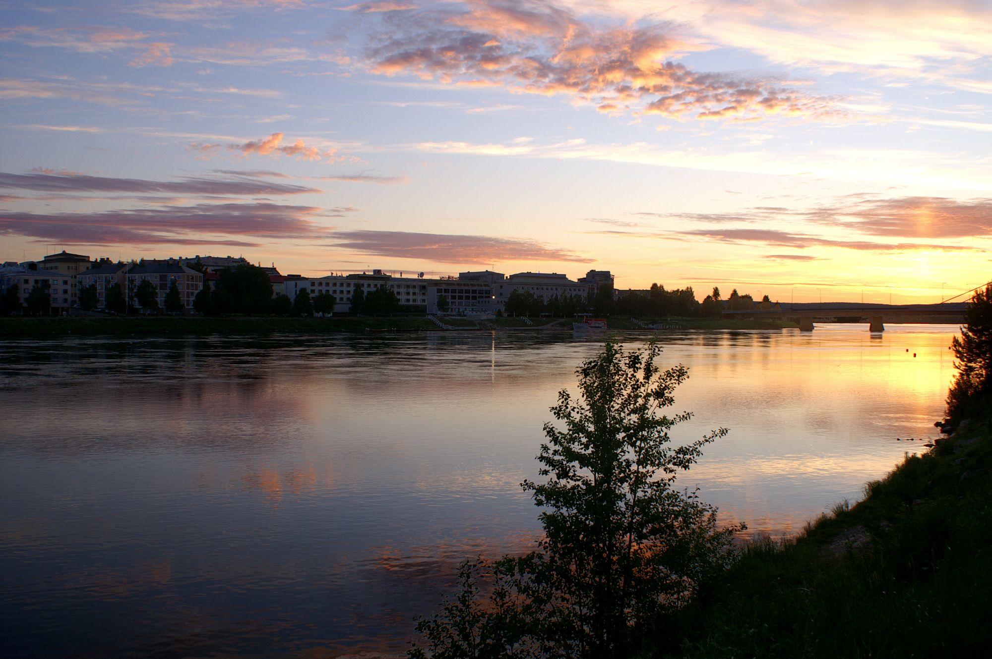 100706 Rovaniemi midnightsun (11)