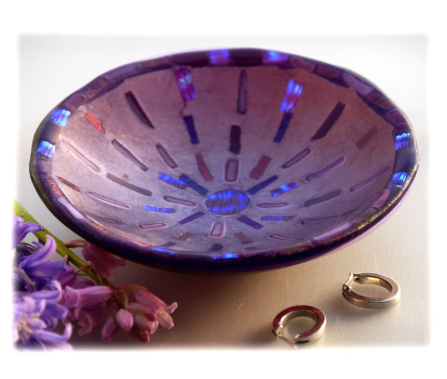 12cm Round Cranberry Dichroic Bowl FUSED 031 #1705 FREE 16.00