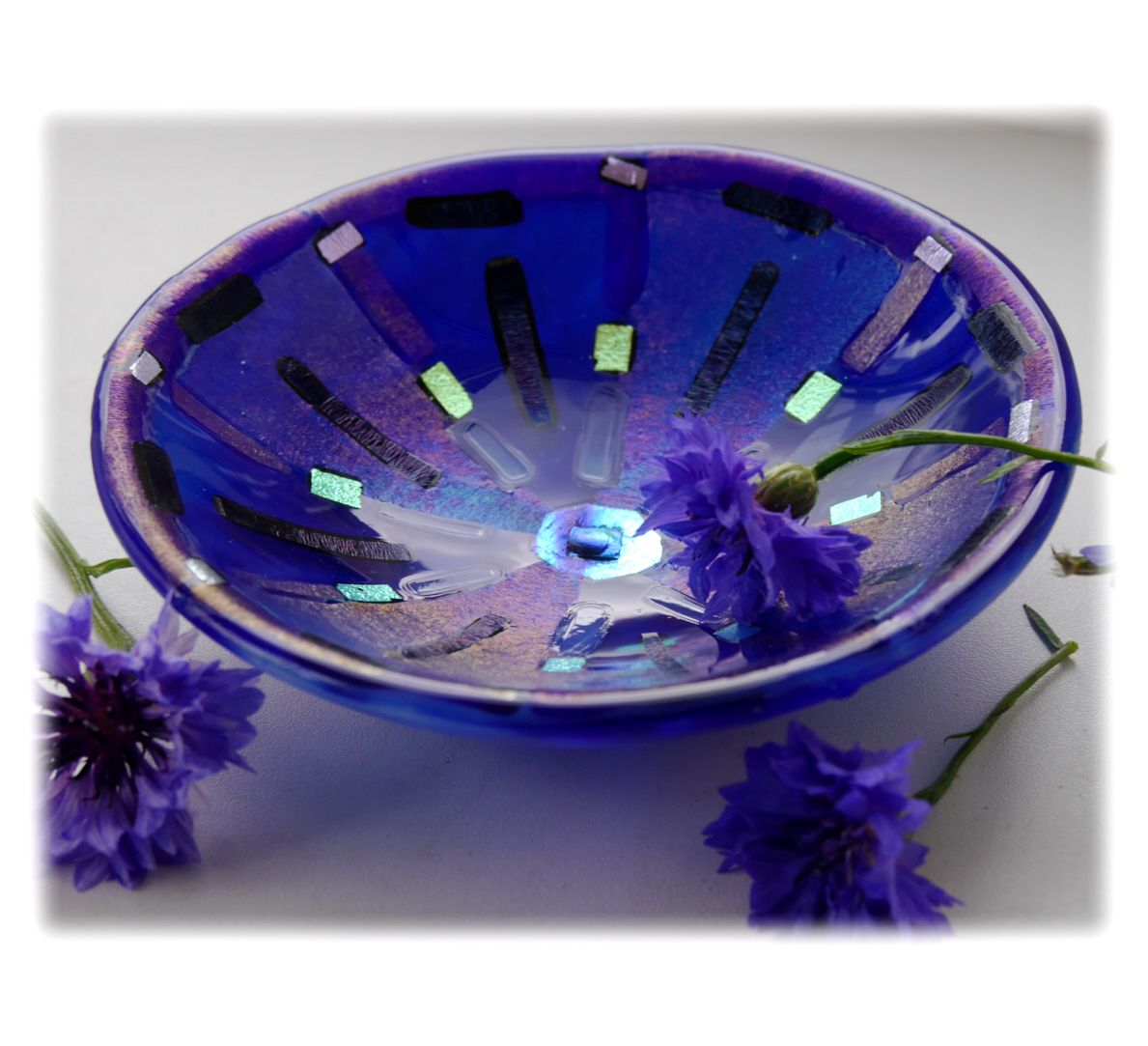 13cm Round Blue Dichroic Bowl FUSED 032 #1708 FREE 16.00