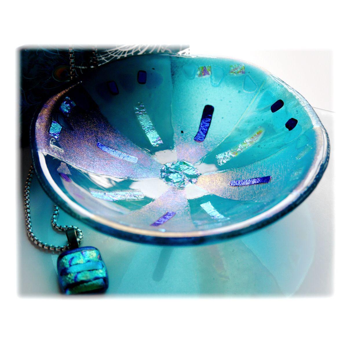 13cm Round Aquamarine Dichroic Bowl FUSED 042 #1811 FREE 16.00