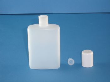 Natural Rectangular Plastic Bottle/Plug & White Closure 125ml (2789)