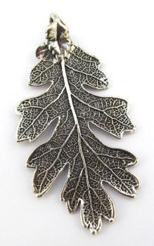 Antique Silver Oak Leaf Pendant - Medium