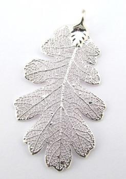 Silver Oak Leaf Pendant - Medium