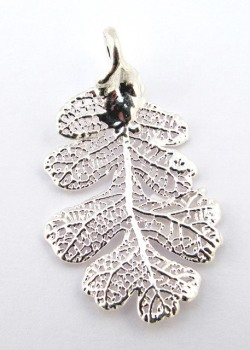 Silver Oak Leaf Pendant - Small