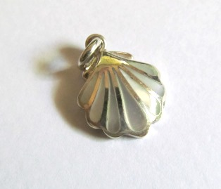 Small Mother of Pearl Shell Pendant
