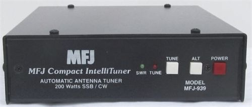 MFJ-939A - Plug and Play 200W AutoTuner With Cable - Alinco