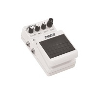 EFFECTS PEDALS AND CONTROLLERS