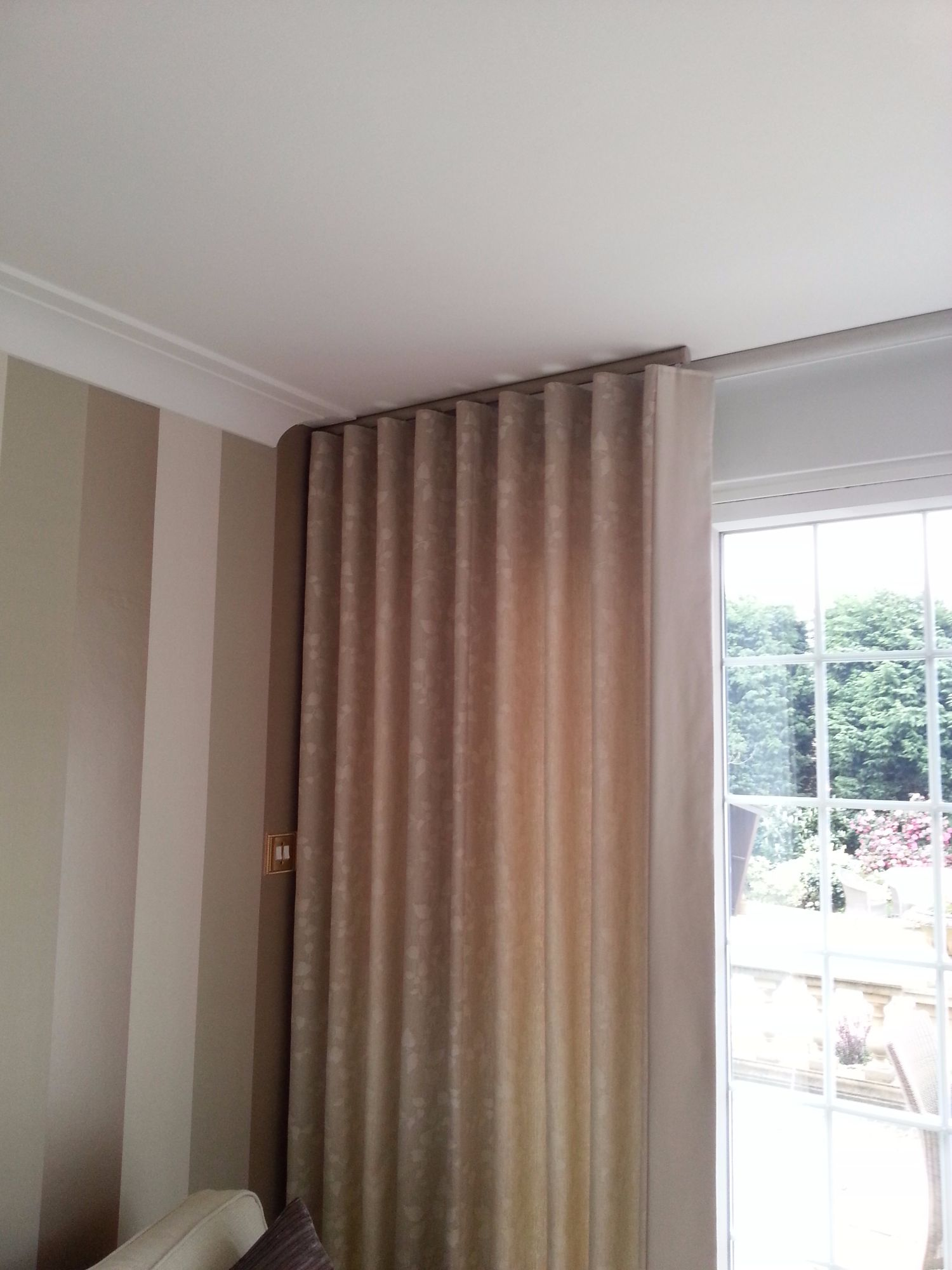 Handmade Curtains in Kent | Roman blinds made in Kent ...