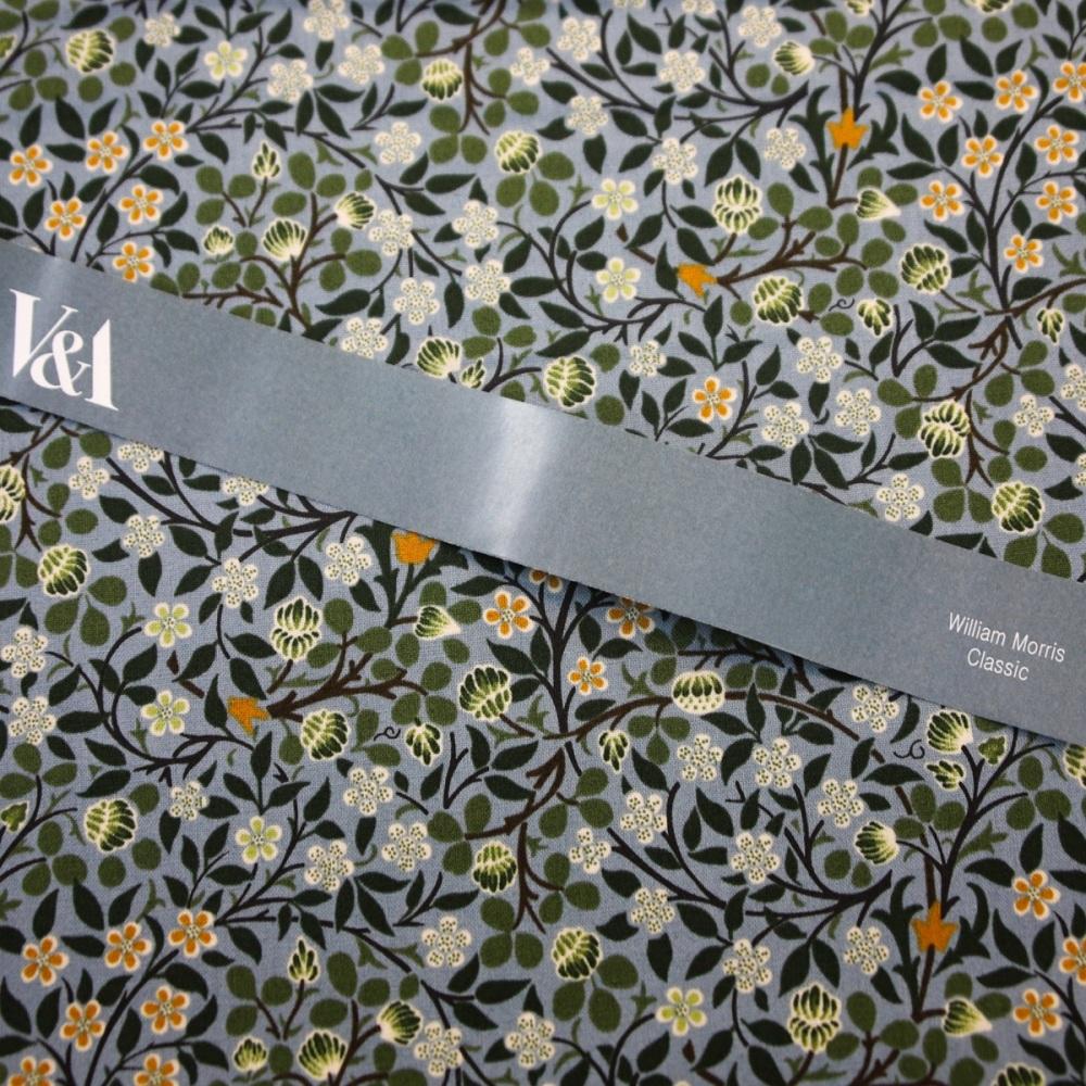 William Morris Collection - Clover Mural - per half metre