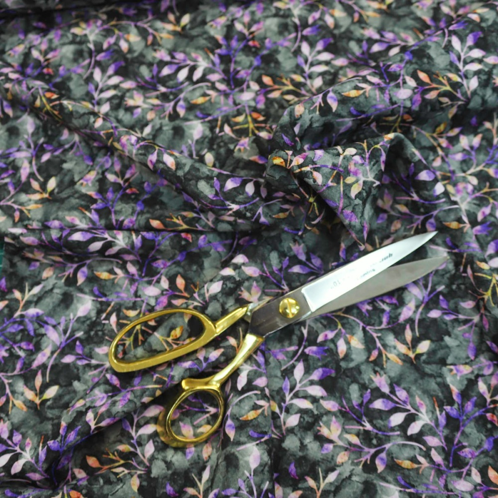 New 100% Cotton Autumn leaves - Lilac - per half metre