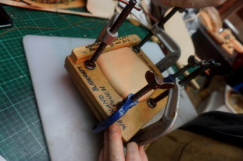 Action-wet moulding a woodland pouch
