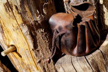 Beaver Bushcraft leather merchants purse in aged brown open
