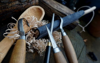Strops and sharpening tools for curved blades at Beaver Bushcraft