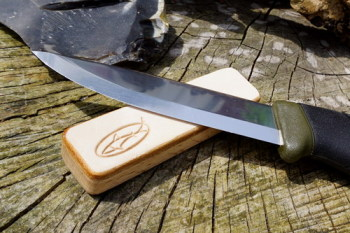 Sharpening mini pocket strop for beaver bushcraft by shark designs showing