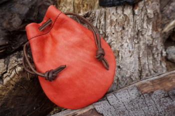 Leather-hand dyed leather pouch by beaver bushcraft blush on side