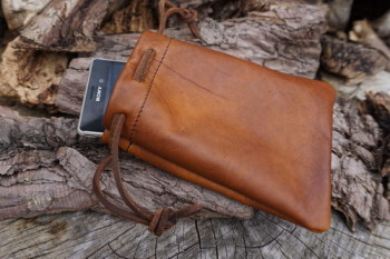 Leather-soft hand dyed tinder pouch with mobile phone by beaver bushcraft