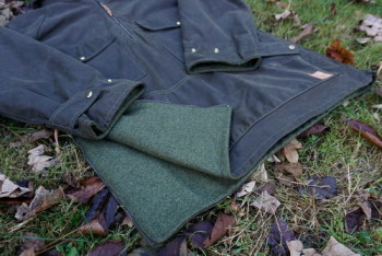 Green Outdoors jacket detailsl for beaver bushcraft