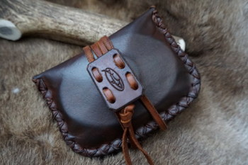 Leather-hand dyed specail edition pioneers pouch in deep conker