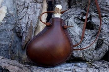 Leather medium sixed handmade leather bottle bladder shaped for beaver bush