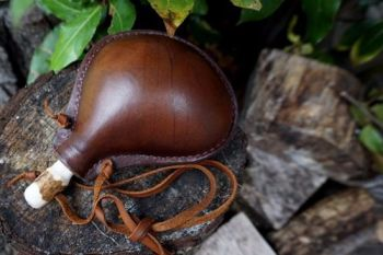 leather medium neck handmade bottle bladder shape for beaver bushcraft