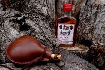 leather chestnut medium leather bottle handmade for beaver bushcraft
