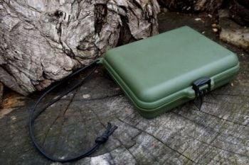 Sharpeining kit for beaver bushcraft plastic box