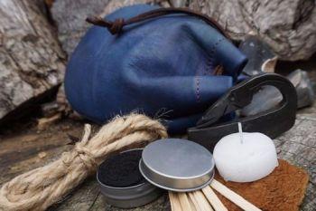 Fire dragon GOT blue tinder pouch for beaver busgcarft