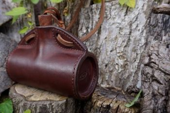 Leather barrel bottle in hazel brown for beaver bushcraftside veiw