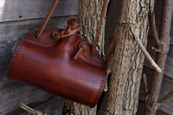 Leather barrel bottle in hazel brown for beaver bushcraft