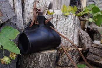 leather black rustic barrel bottle by beaver bushcraft