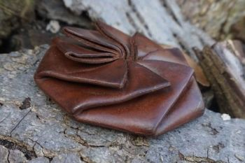 leather ebineezer coin pouch for beaver bushcraft