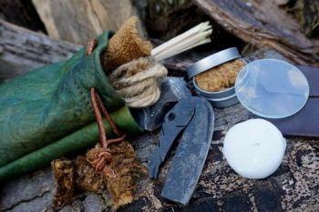 Fire dragin skin tinder pouch by beaver bushcraft