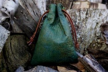 leather dragon skin pouch dyed by beaver bushcraft in dragons skin