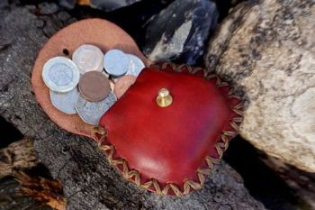 leather mini poch with hearts made by beaver bushcraft
