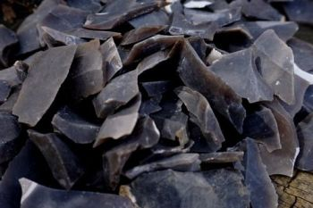 Fire flint shards for beaver bushcraft flint and steel