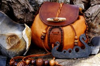 fire viking ship 1 traditional flint & steel with viking pouch for beaver b