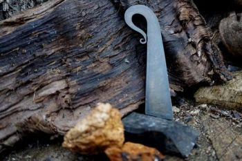 fire the croisier flint & steel by beaver bushcraft