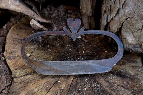 Beaver Bushcraft 'Nested Heart' - Traditional Styled Fire Steel + Flint & C