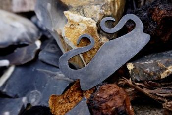 fire the viking curl traditional flint and steel srtiker by beaver bushcraf