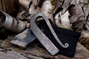 fire r shaped fire steel to go with hand stitched sheath at beaver bushcraf