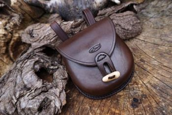 Leather ready to go pouch with antler toggle fastening by beaver bushcraft