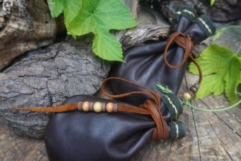 leather hand stitched detail by beaver bushcarft double medicine pouch with